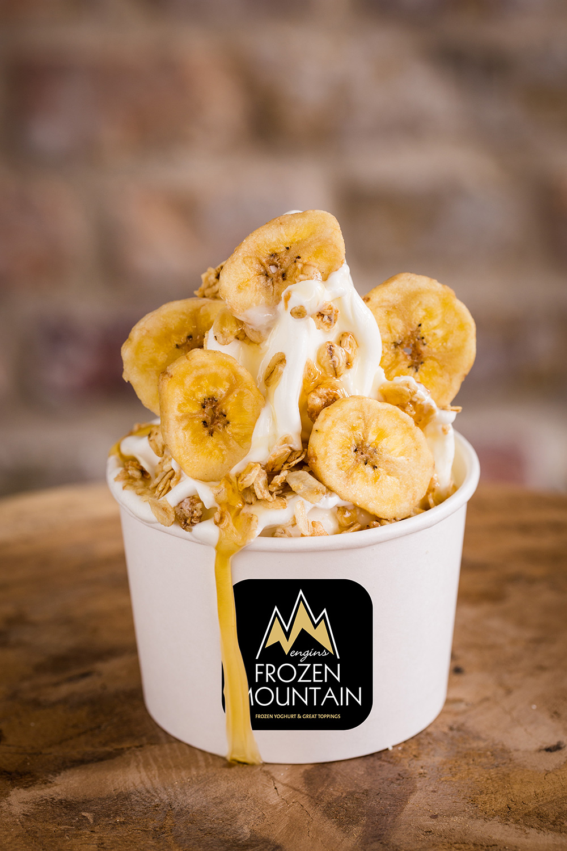 Frozen_Mountain_Bayreuth_Frozen_Yoghurt_Topping_Banane_Caramel