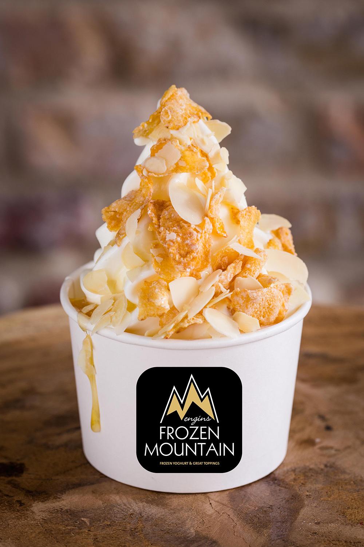 Frozen_Mountain_Bayreuth_Frozen_Yoghurt_Topping_Flakes_White_Chocolate